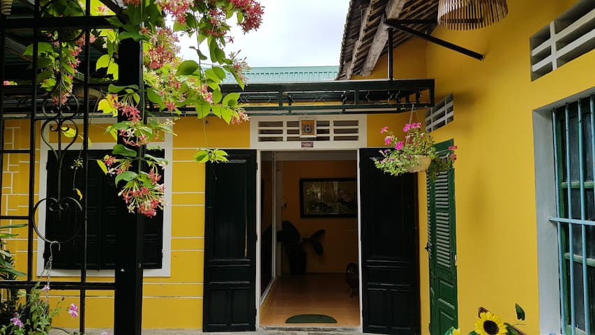 Entire Hue Traditional House, 1 large bedroom
