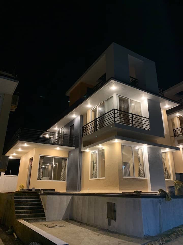 ROYAL MEADOWS- IGATPURI Bungalow C