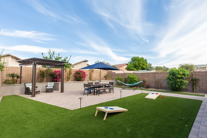 NE PHX 4BR Home w/ Large Family Friendly Game Yard