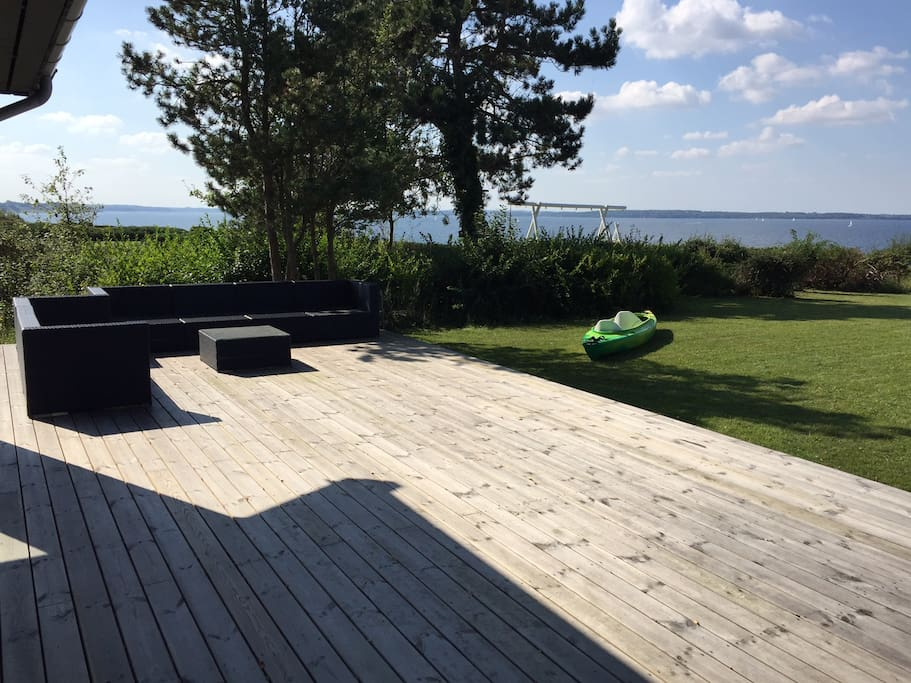 Giant sundeck with loungefurniture