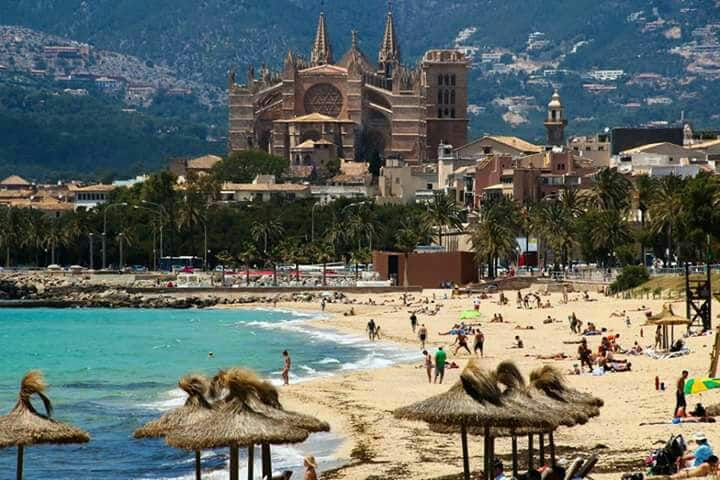 palma city and beach,privite parking