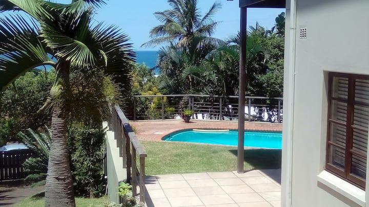 Kilworth Cottage - Large Pool & 5 mins to Beach