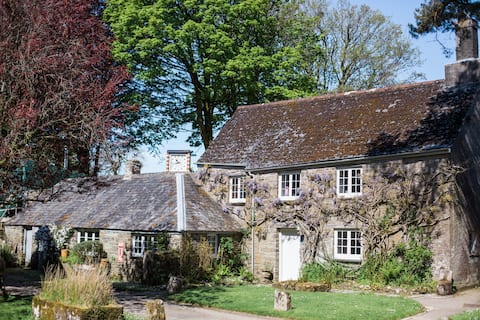 Manor Cottage at Botelet Farm