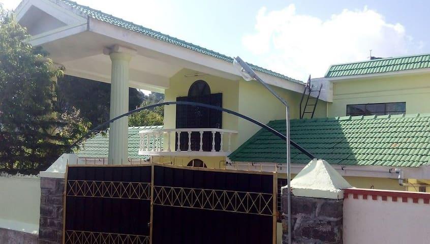 Luxurious Stay for 12  Nadiupuram, Kodai - Kodaikanal - Guesthouse