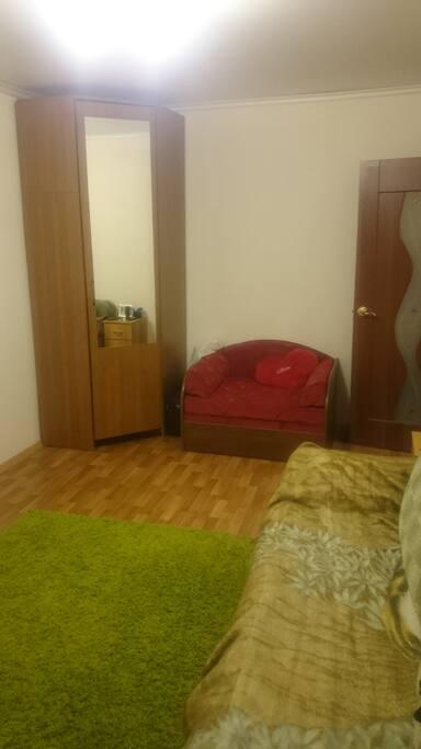 Комната (main room)