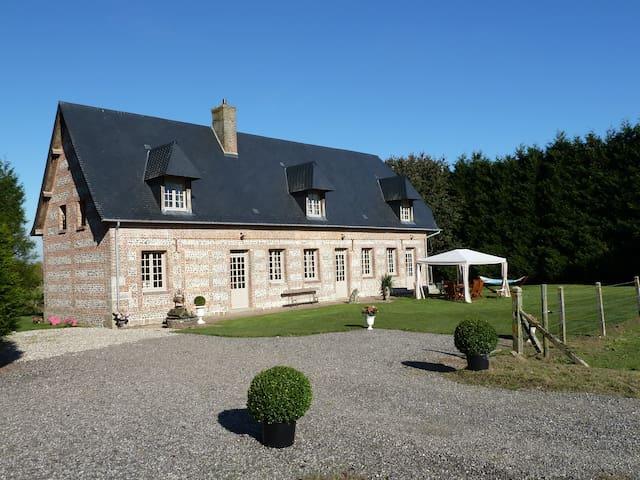 La maison de Thibauld - Cottévrard - House