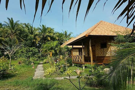 Thai bungalow in tropical garden - ko jum