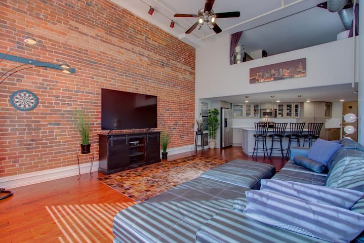 Spacious loft in the heart of Downtown Denver
