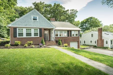 Stunning Andover Home, abuts Phillips Academy