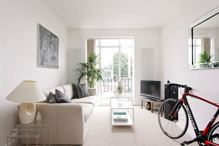 Stylish Flat in Great Location - London - Apartment