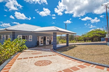 Adrianas Paradise Vacation Villa - Villa