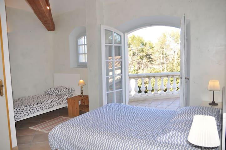 Chambre n° 4 à l'étage avec terrasse privée 30 m2