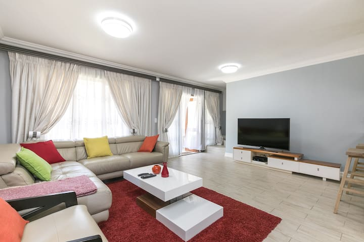 modern cosy apartment in Midrand