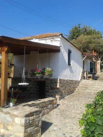 Griechisches Dorfhaus - Sikiá