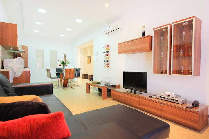 Apartment in St Julians - Sant Julià