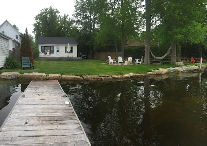 Little Cottage on the Rideau - Port Elmsley - Perth - กระท่อม