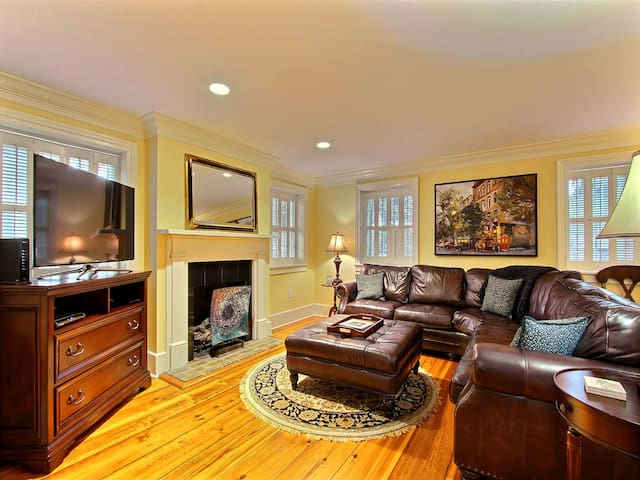 Bird Baldwin Magnolia Suite - Rest Well with Southern Belle Vacation Rentals