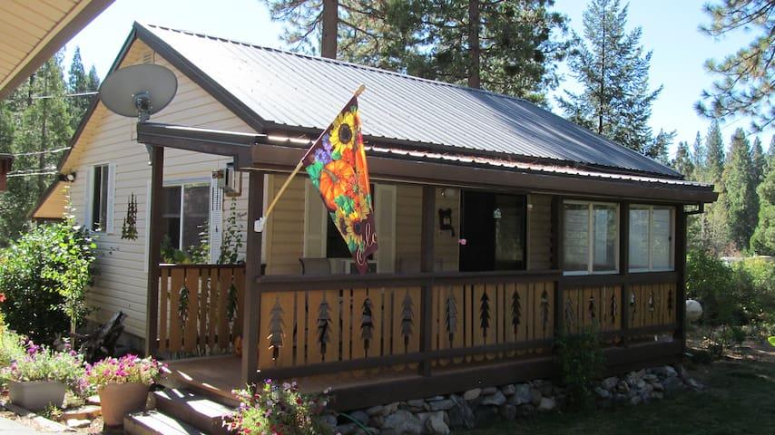 Cromberg Cabin - Cromberg - Blockhütte