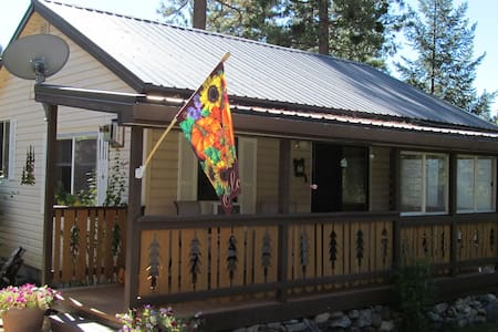 Cromberg Cabin - Cromberg