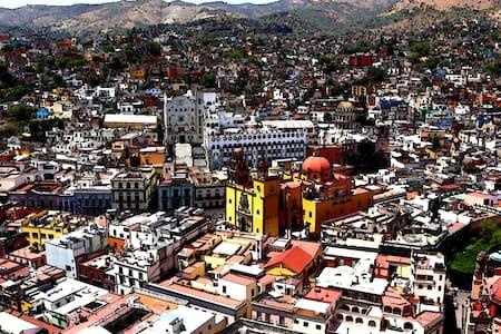 HABITACION CON BAÑO EN GTO CENTRO - Guanajuato