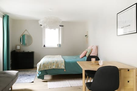 Joli studio zen et cozy au coeur de Saint Claude