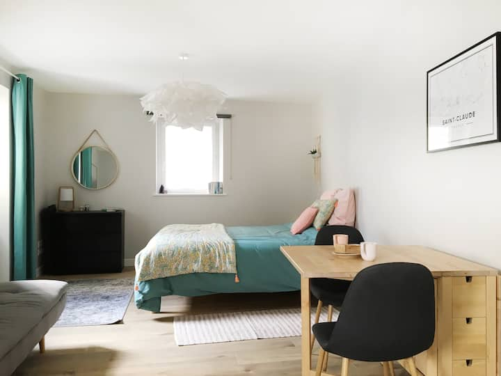Pretty studio in the heart of Saint-Claude