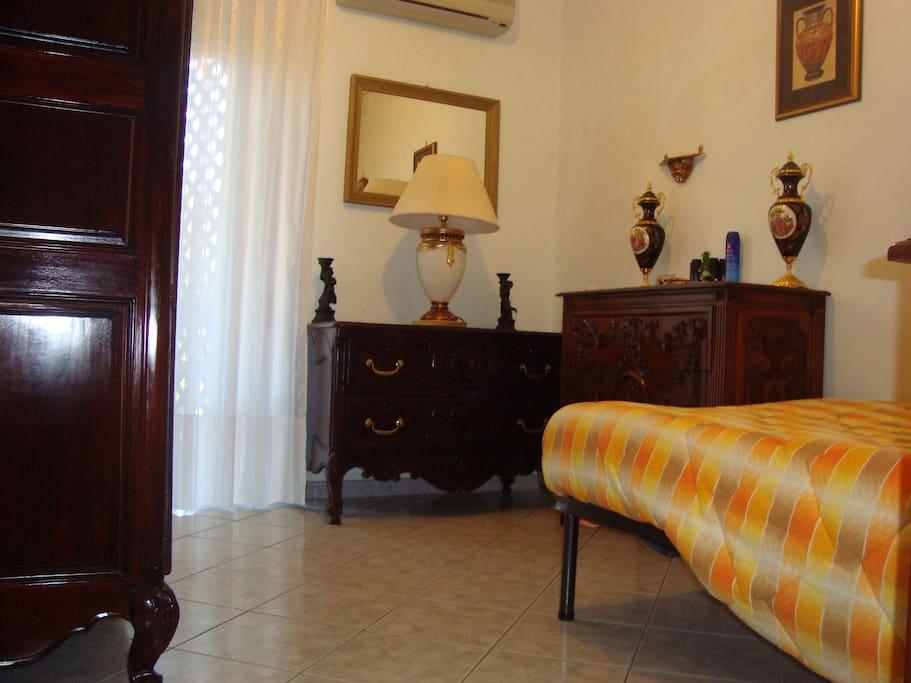 Spiaggia dorata e mare di sicilia condomini in affitto a for Case in affitto a gela arredate
