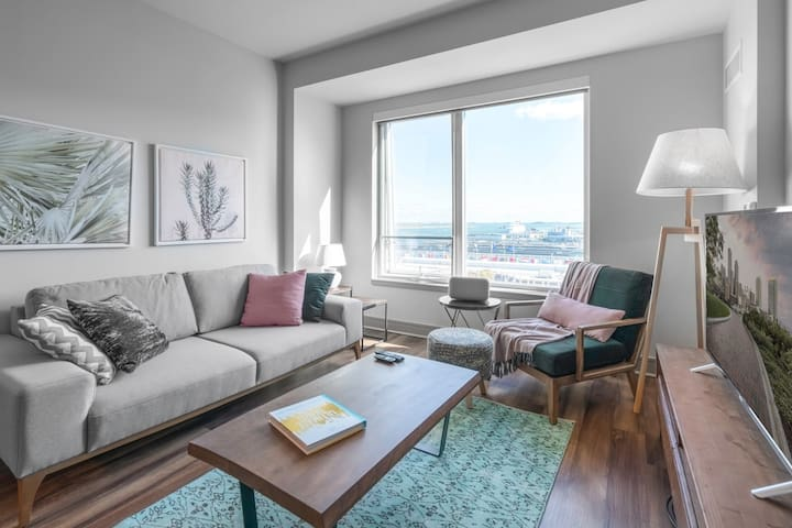 Breezy Seaport 1BR w/ Office, Pool + Gym by Blueground