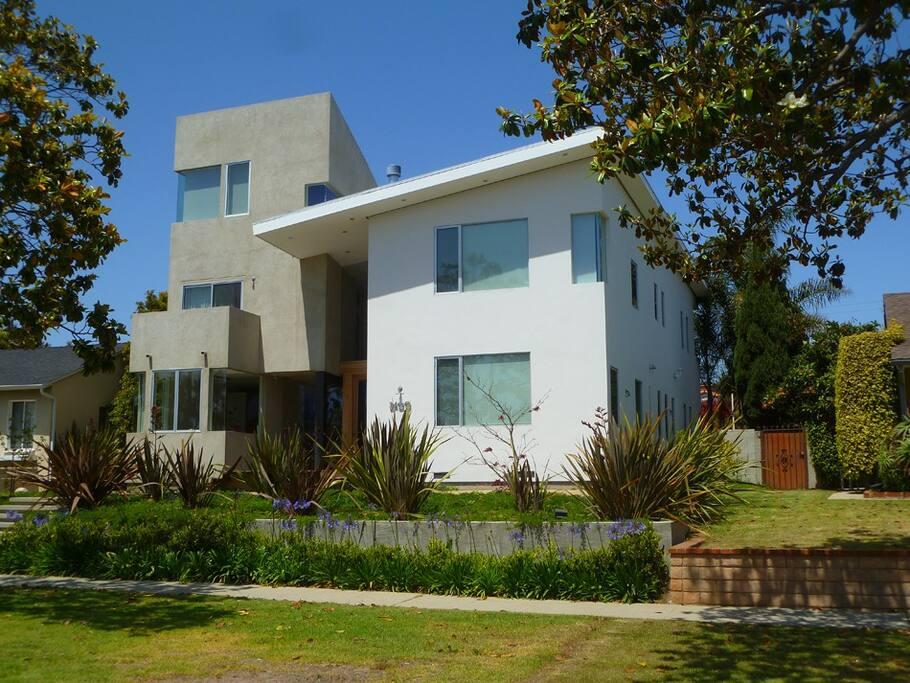 Beautiful modern house in mar vista houses for rent in for Homes to rent in los angeles