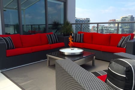 Penthouse • Huge Terrace • Hot Tub! - Toronto - Wohnung
