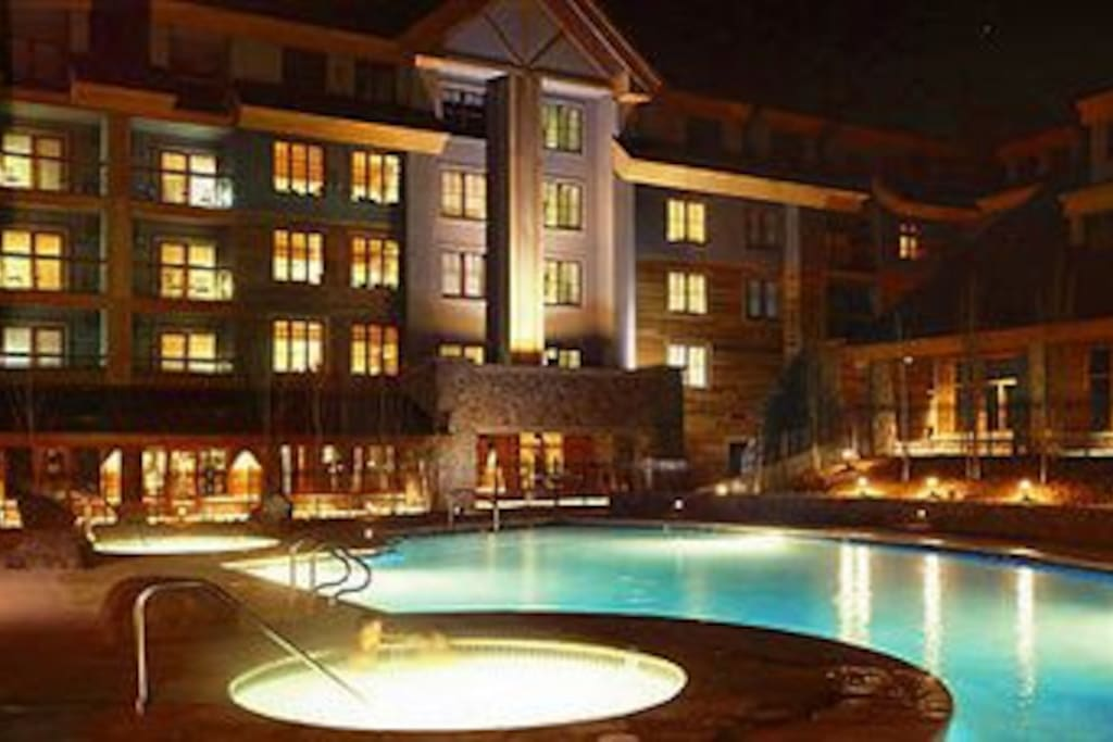 Heated Pool w/ 2 Hot tubs FABULOUS MARRIOTT RESORT