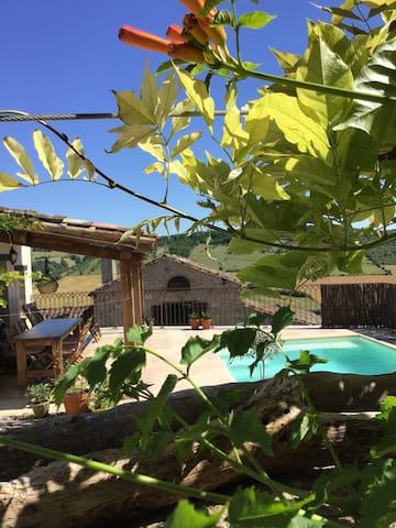 Maison28 Stone Villa in Cordes