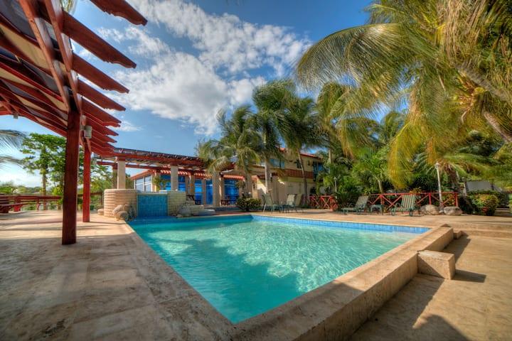 Beautiful Sand Dunes & Bayfront Family Villa 4
