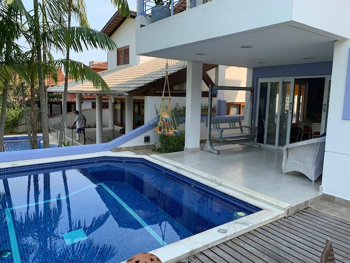 Beautiful villa 2 minutes walk from the beach