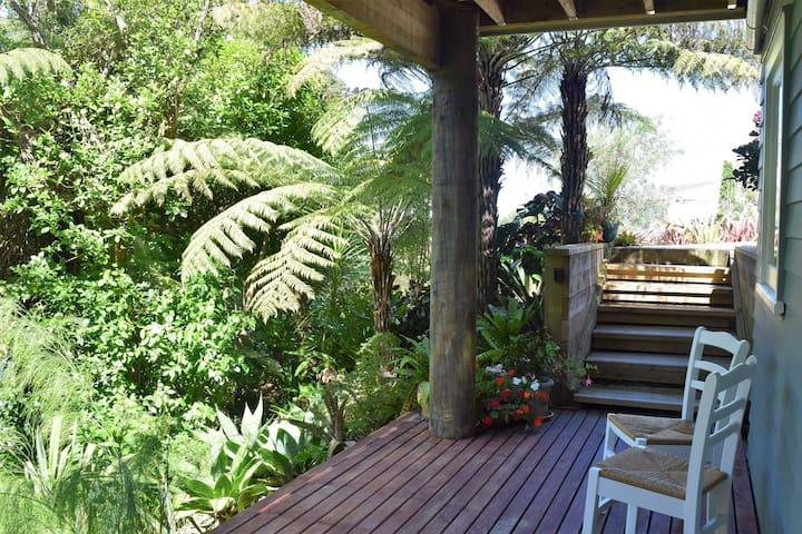 Spacious Garden Studio - Auckland - Apartment