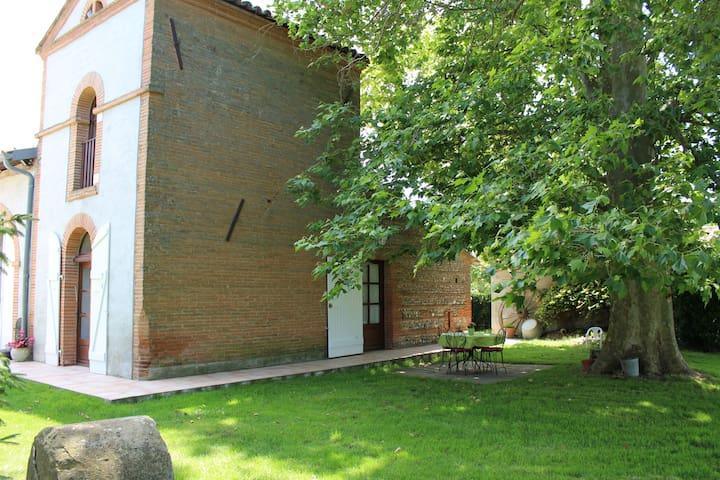 Gîte rural, location saisonnière - Montlaur - Casa