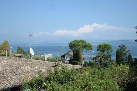 Ampio bilocale in villino vistalago - Padenghe Sul Garda