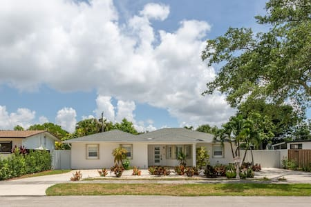 LUXURY HOME in the heart of South Miami