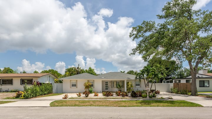 Luxury home in the Heart of Kendall