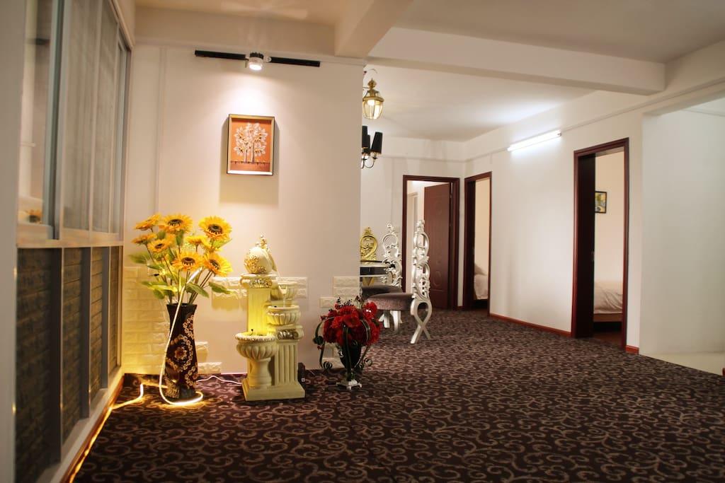 豪华雅致大厅,媲美5星级酒店的装修和智能芳香系统,免费无线上网