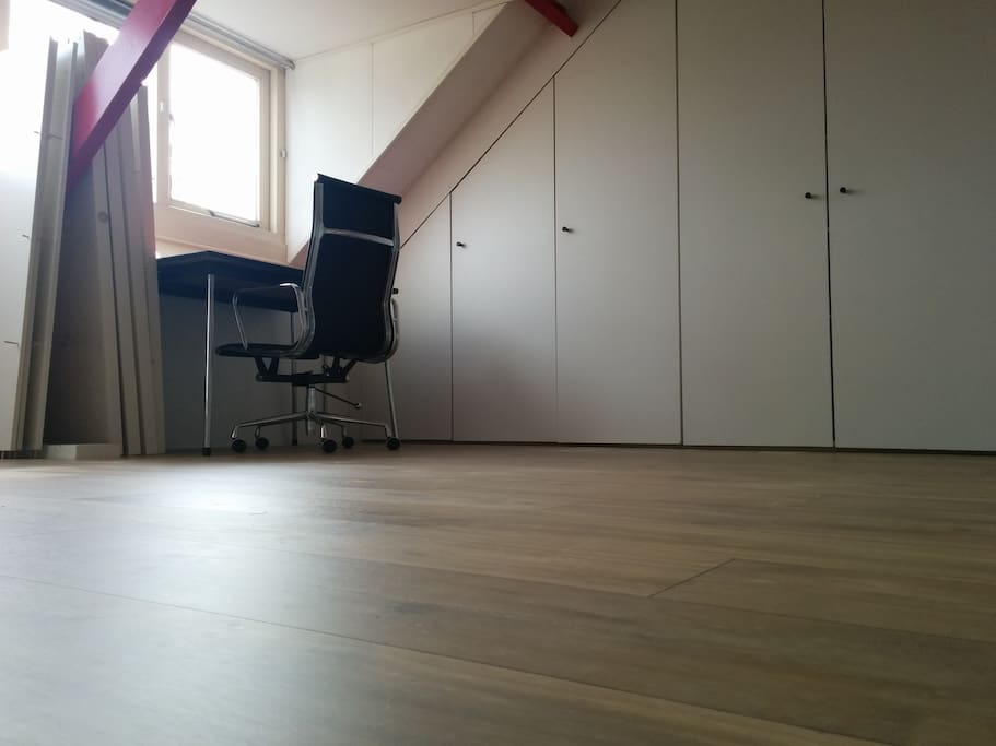The attic is one spacious room (30m2), large enough to sleep 8 people with air matrasses (2 are available).