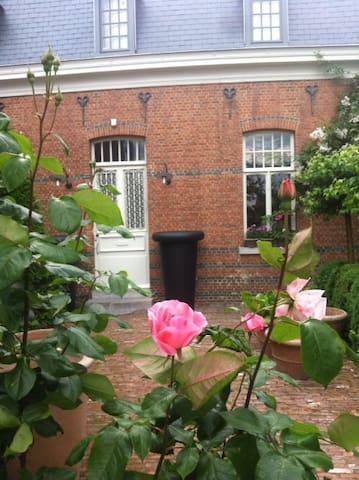 Slapen tussen de bloemen - Sint-Niklaas - Bed & Breakfast