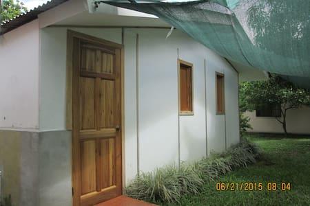 Alquilo habitaciones - House