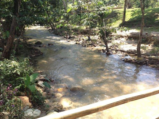 Bee2 River Home -Fresh Air & Nature - Hulu Langat - Haus