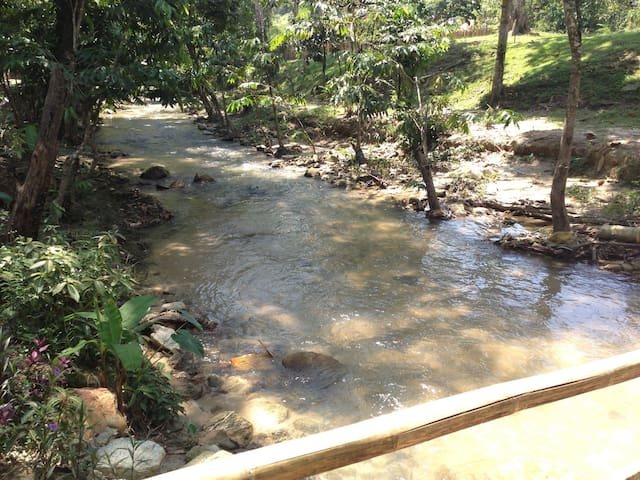 Bee2 River Home -Fresh Air & Nature - Hulu Langat - House