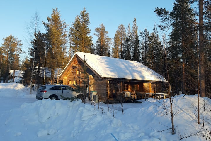 Traditional log cabin close to Levi center