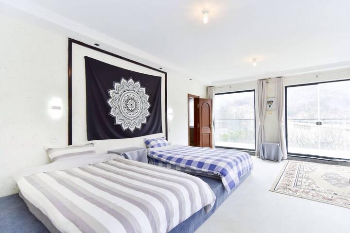 山姆的家7号山景双床房