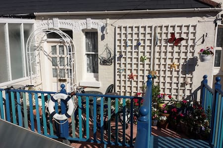 DAWLISH SPECTACULAR HONEYMOON SUITE - Dawlish