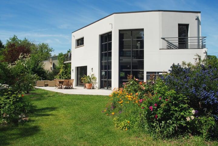 Villa contemporaine dans parc paysager 4000m2