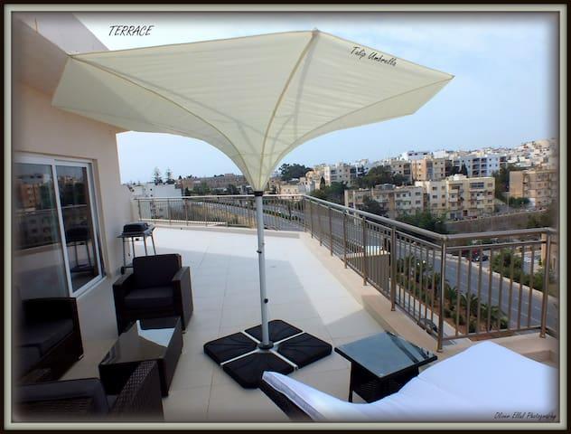 Penthouse - Large Terrace & Views - San Ġiljan - Apartment